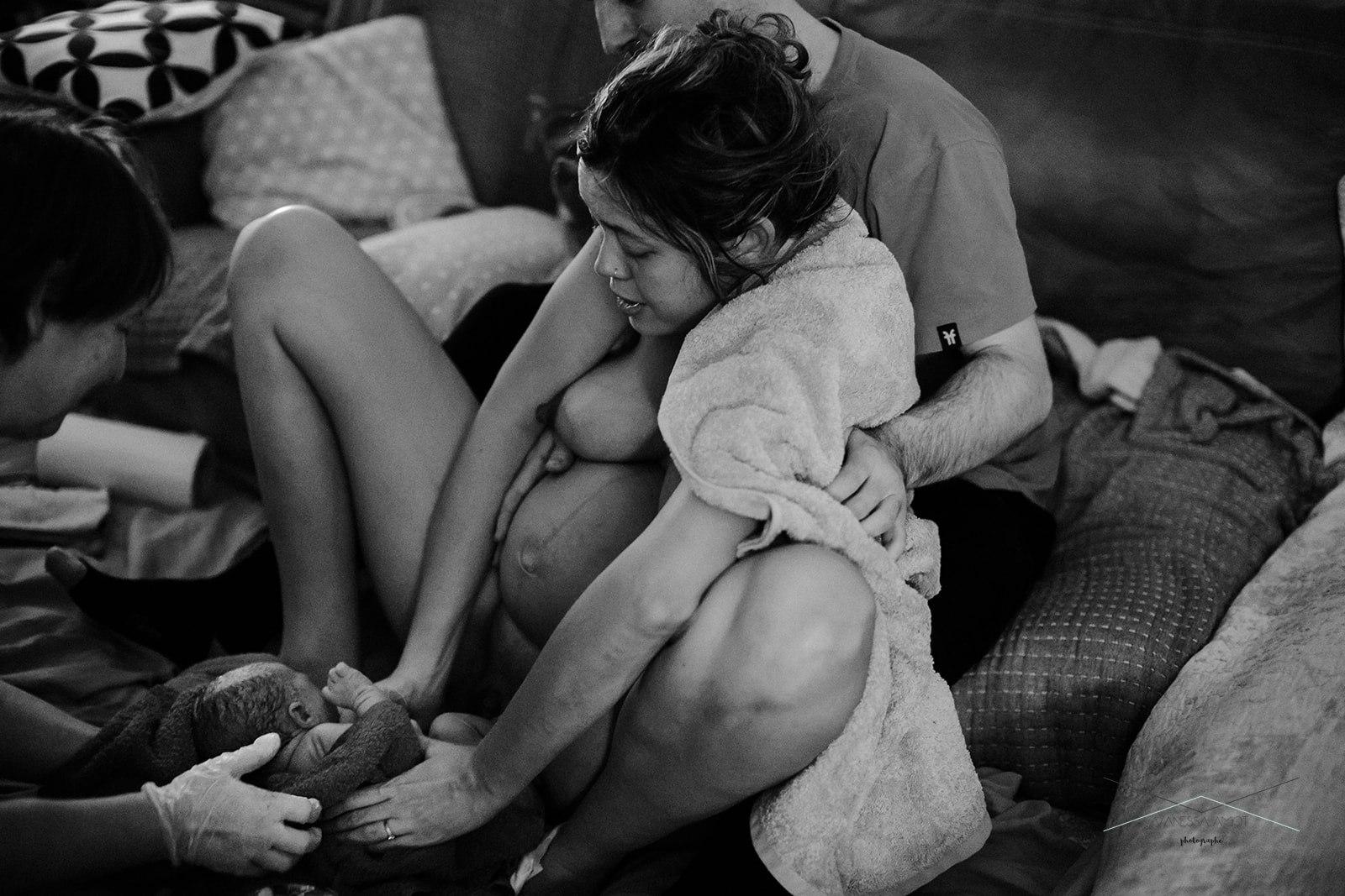vanessa-amiot-photographe-accouchement-a-domicile