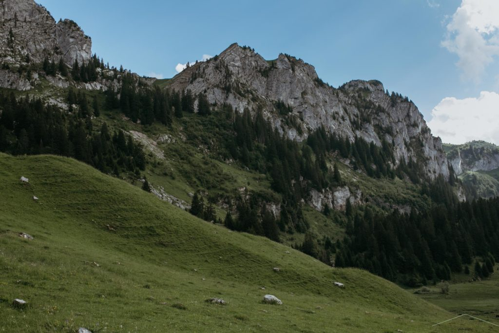 vanessa amiot photographe- photographe thonon -photographie de grossesse en montagne