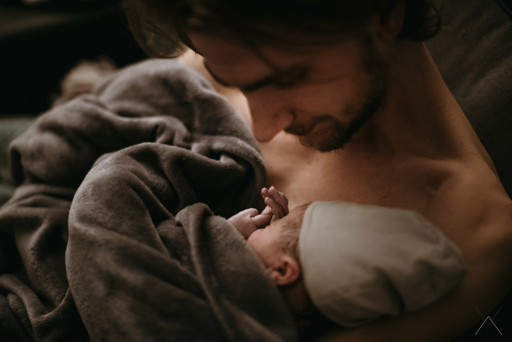 Vanessa Amiot photographe- accouchement a domicile - photographe accouchement Haute Savoie