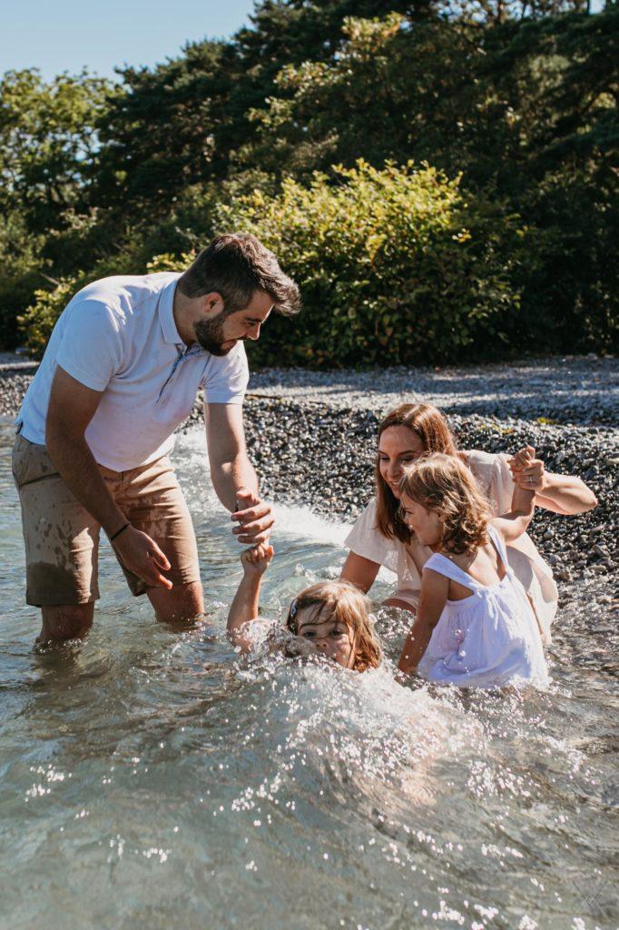 vanessa-amiot-photographe-famille-maternité-fun-thonon-evian
