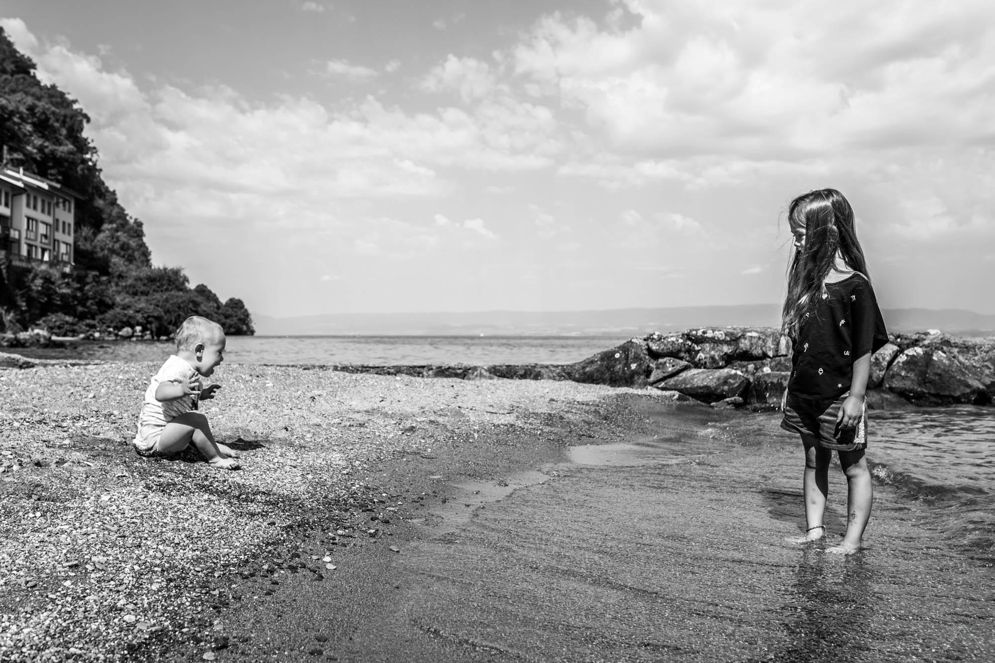Vanessa Amiot photographe - photographe nouveau né à domicile thonon - photographe nouveau né thonon - photographe thonon - photographe peau à peau Haute Savoie-